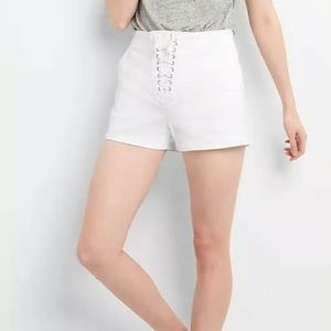 GAP 33R White Lace Up Zipper Shorts